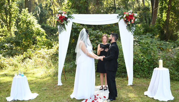 Services that a Tallahassee Wedding Photographer provides 1